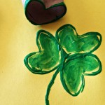 Shamrock Toilet Paper Roll Stamp {St. Patrick's Day Craft}