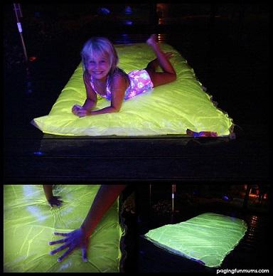 DIY-Glowing-Water-Blob-summer-activity