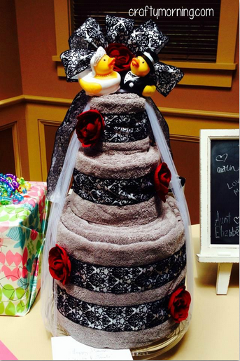 bridal-shower-towel-cake-gift