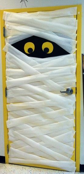 Mummy-Classroom-Door-Decoration-Idea