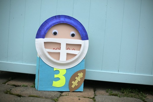 football-player-puppet-