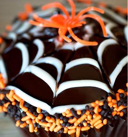 halloween-cupcake-spiderweb-idea