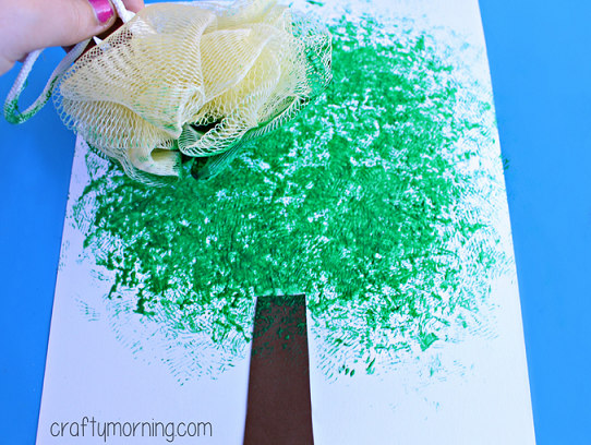 pouf-sponge-apple-tree-craft-for-kids