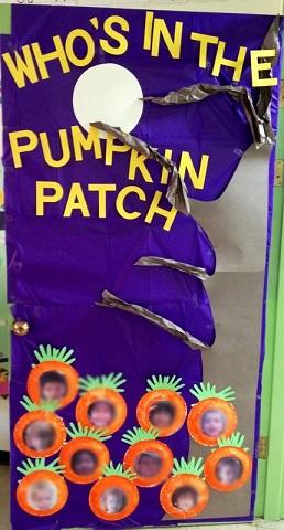 pumpkin-patch-classroom-door-decoration