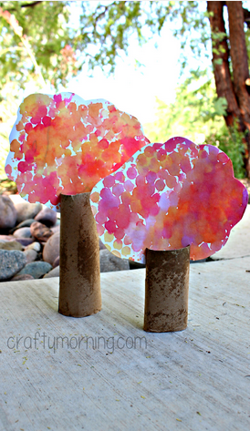 bubble-wrap-cardboard-tube-tree-craft-