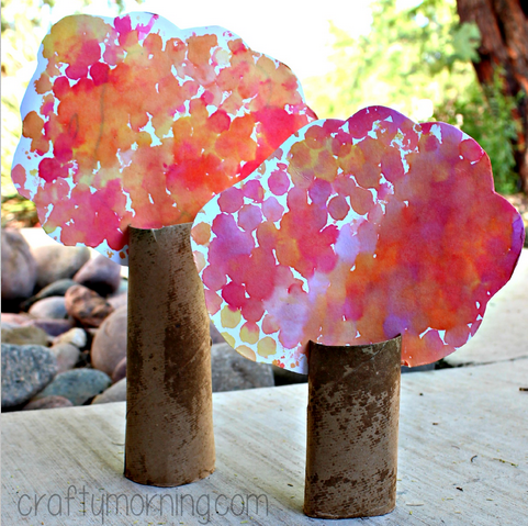 bubble-wrap-cardboard-tube-tree-craft-for-kids