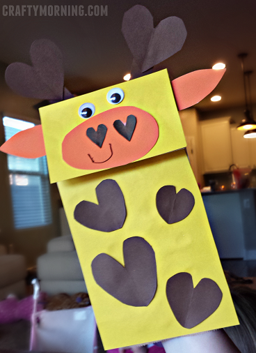 giraffe-paper-bag-heart-puppet-craft-for-kids