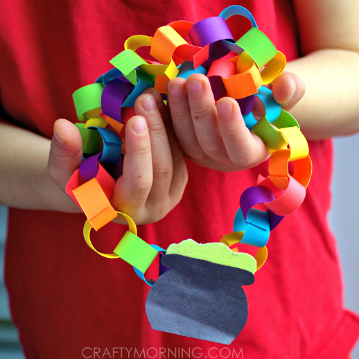 rainbow-chain-necklace-st-patricks-day-craft-for-kids-