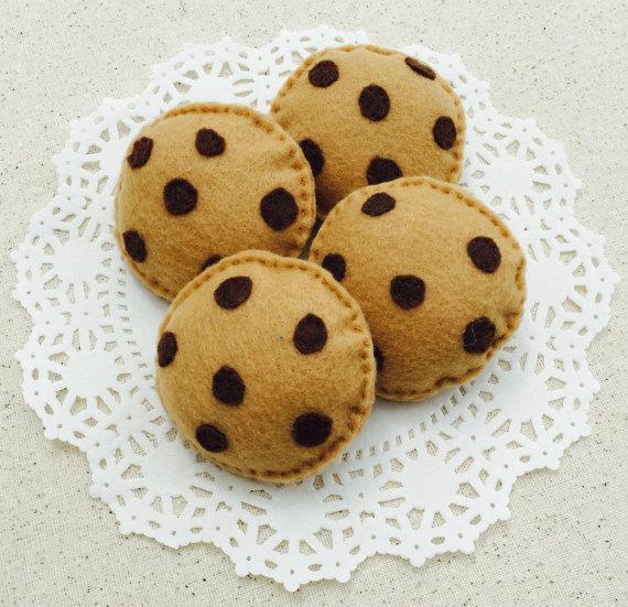 chocolate-chip-felt-cookies-