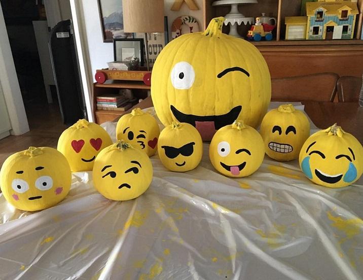 emoji-pumpkin-decorations