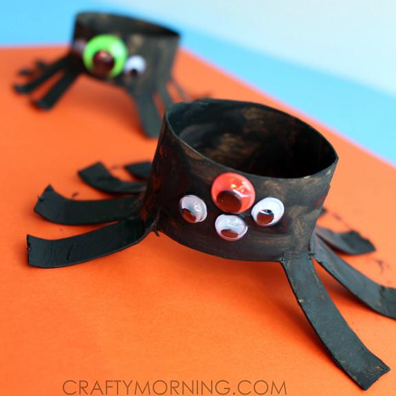 toilet-paper-roll-spider-halloween-kids-craft-