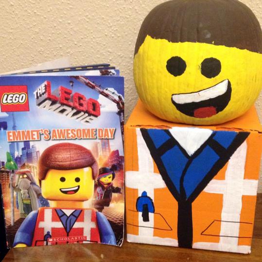 lego-man-halloween-pumpkin