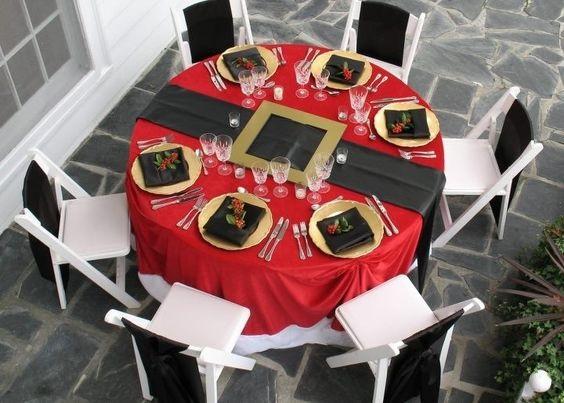 santa-claus-table-setting-christmas