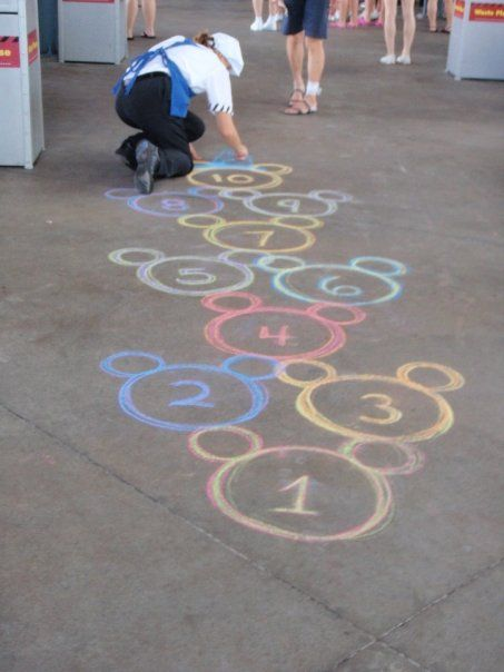 mickey-mouse-hop-scotch