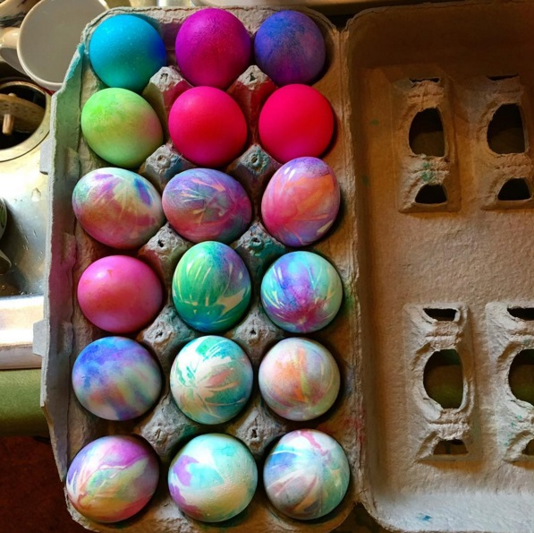 tie-dye-easter-egg-decorating-idea