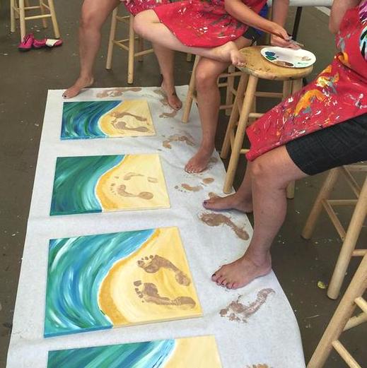 beach-canvas-footprint-idea