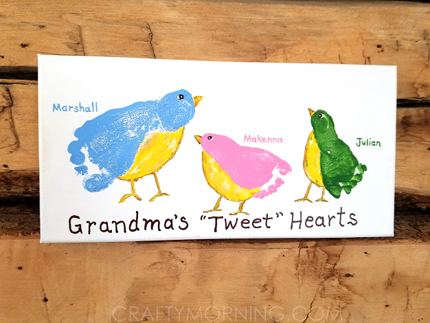 grandmas-tweet-hearts-kids-footprint-craft