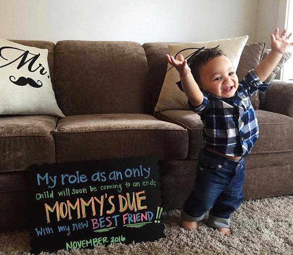 mommys-due-best-friend-pregnancy-announcement