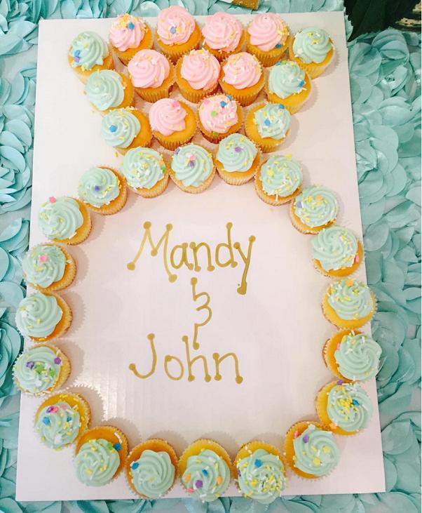 wedding-engagement-ring-cupcake-cake
