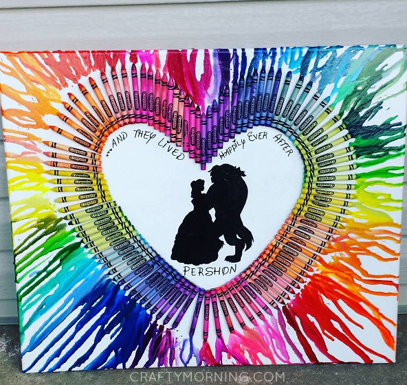 melted-crayon-heart-canvas-craft