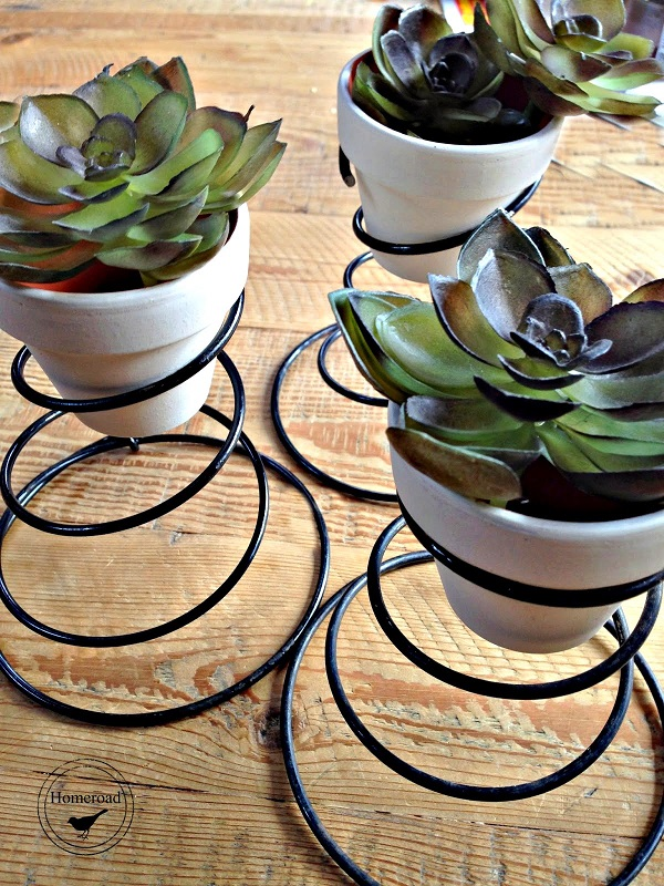 bed-spring-planters-craft