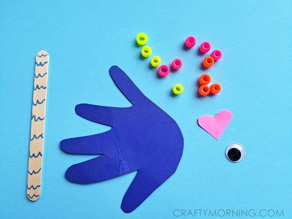handprint-fish-puppets-kids-craft- (1)