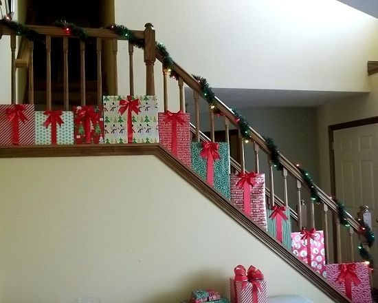 present-gift-christmas-stairs