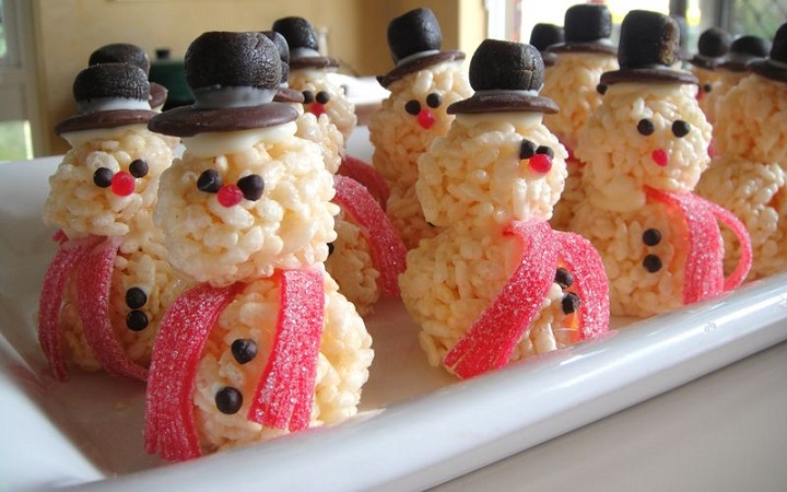 rice-krispie-snowmen-treats-for-christmas