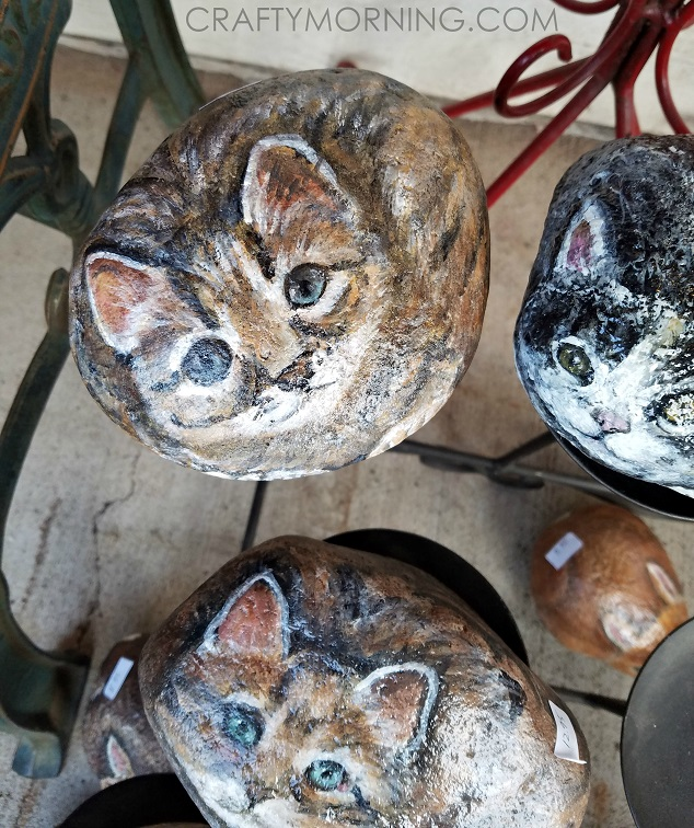 rock-painted-like-cats-art