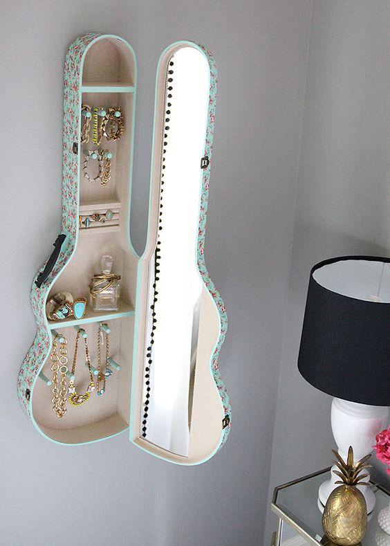upcycle-guitar-shelf-jewelry-holder