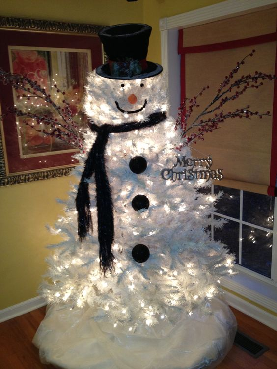 white-snowman-christmas-tree-idea