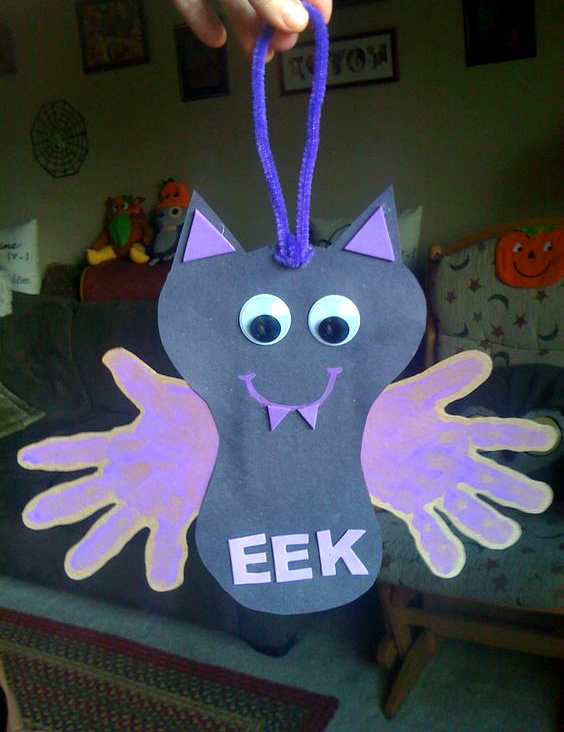 handprint-bat-halloween-craft-for-kids-1