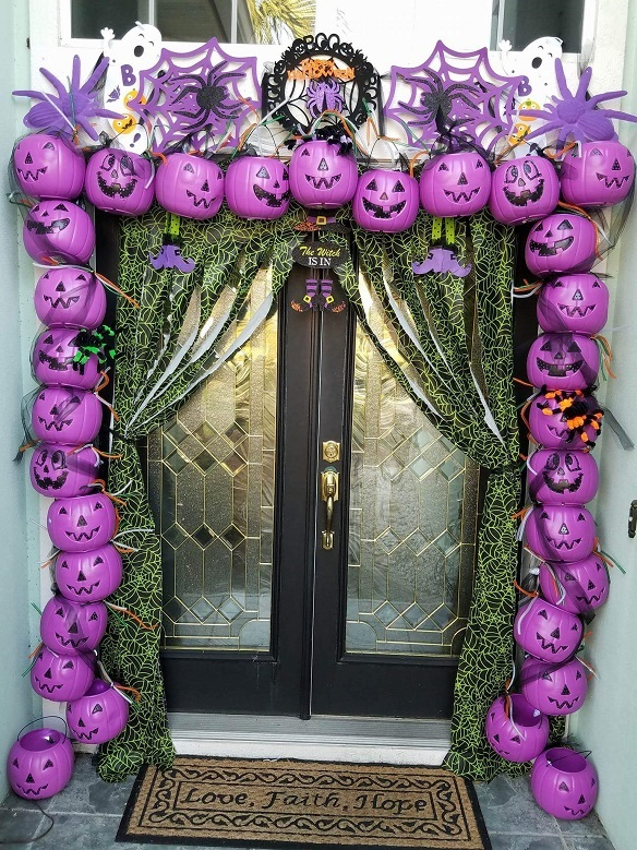 plastic-pumpkin-archway-halloween-decoration