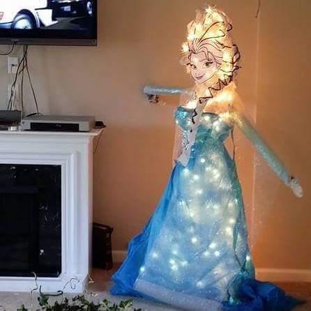 frozen-elsa-christmas-tree