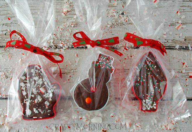 cookie-cutter-fudge-christmas-gift-idea