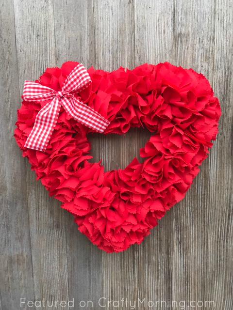 fabric-strip-valentines-day-wreath