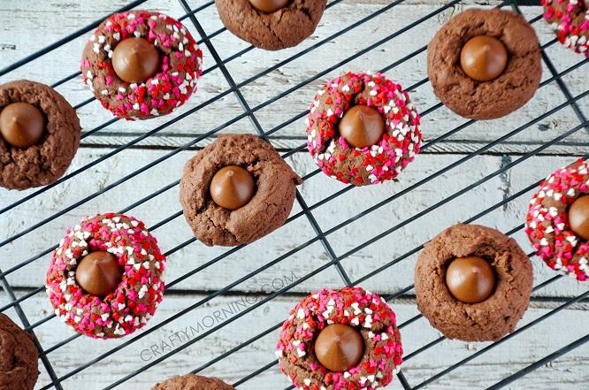 valentine-thumbprint-kiss-cookie-recipe-