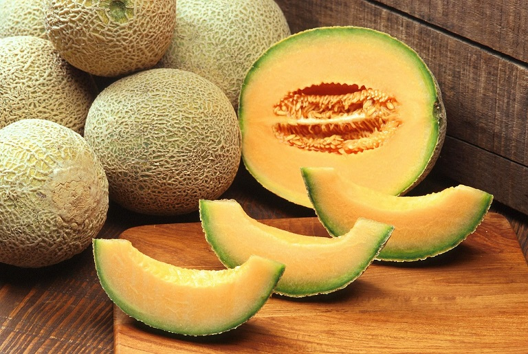 How To Choose A Ripe Cantaloupe Every Single Time Crafty Morning The humble cantaloupe may not get as much respect as other fruits, but it should. a ripe cantaloupe every single time